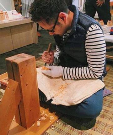 奈良一刀彫り作家の東田茂一
